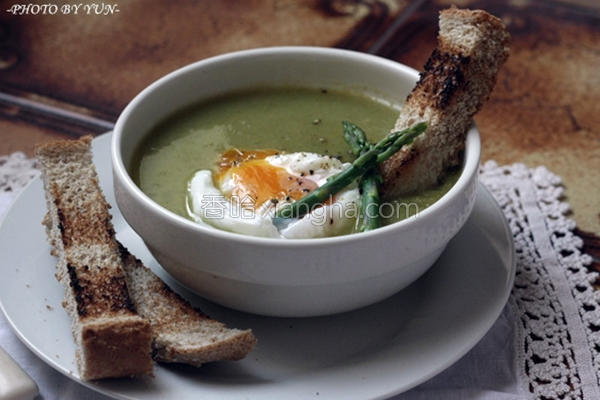 春日绿芦笋浓汤的做法