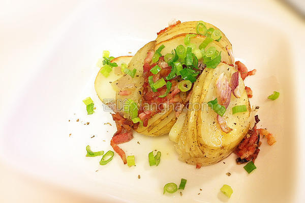 烤手风琴马铃薯的做法