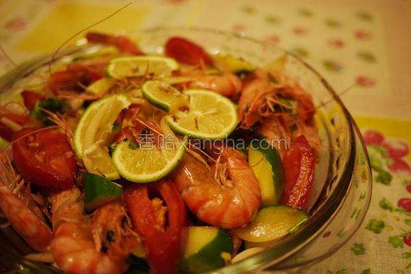 凉拌柠檬鲜虾的做法