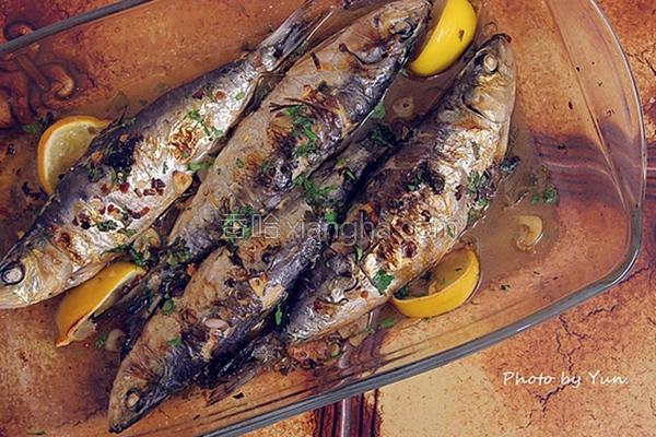 柠檬蒜片烤沙丁鱼的做法