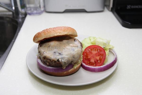 蓝起司汉堡的做法