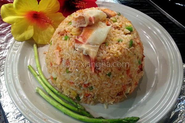 三文鱼蟹肉蛋炒饭的做法