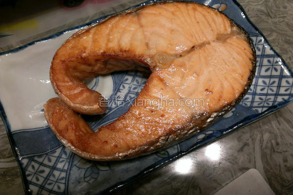 气炸鲑鱼的做法