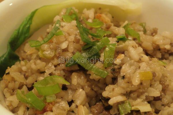 水饺馅变身油饭的做法