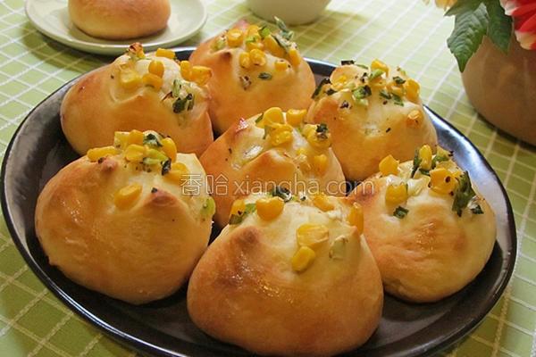 香葱玉米面包的做法
