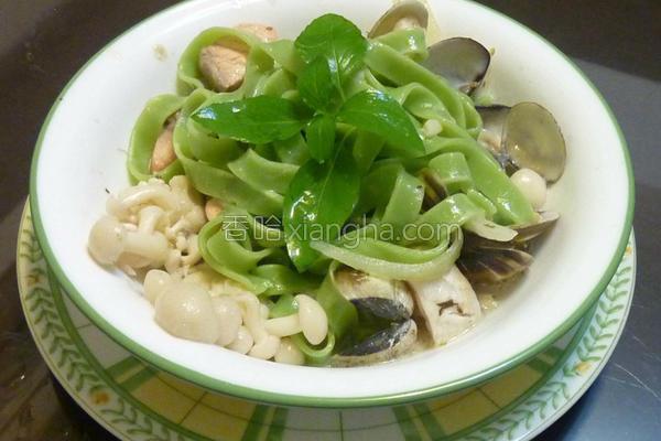 菠菜海鲜意大利面的做法