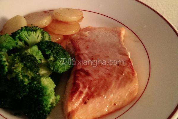 鲑鱼餐的做法