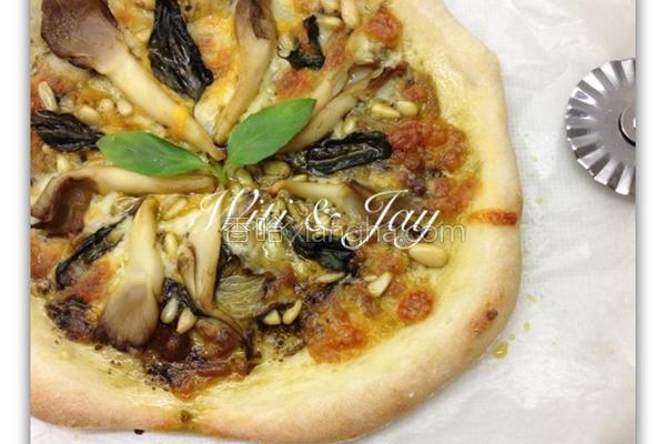 鲜菇松子青酱比萨的做法