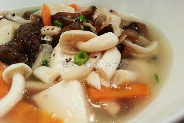 百菇烩豆腐的做法