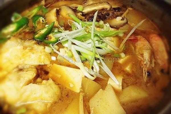 辣鱼片豆腐煲的做法