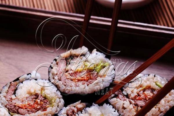 韩式泡菜烧肉寿司的做法