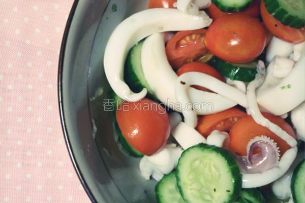 墨鱼凉拌沙拉的做法