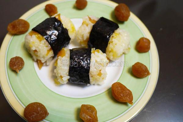 甜桔饭团的做法