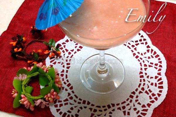 红心番石榴汁的做法