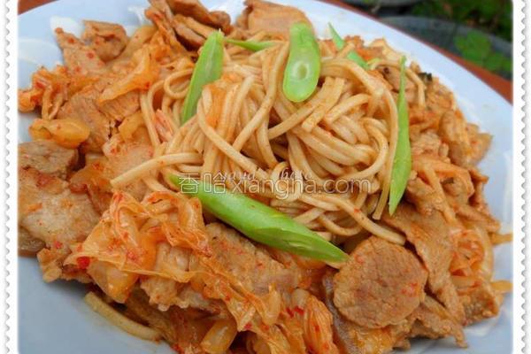 韩式泡菜炒面的做法