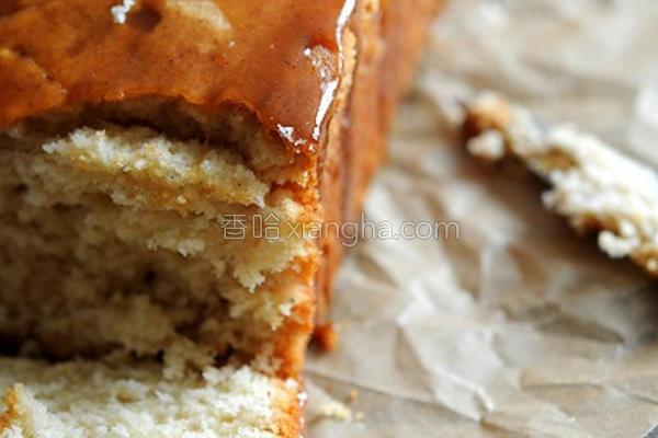 焦糖核桃香蕉蛋糕的做法