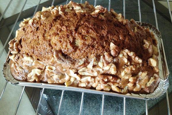 香蕉核桃蛋糕的做法