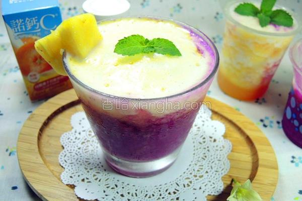 凤梨火龙果冰沙汁的做法