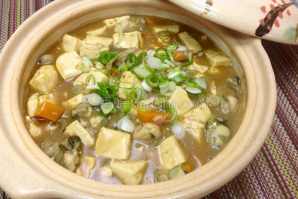 蚵仔豆腐咖哩锅的做法