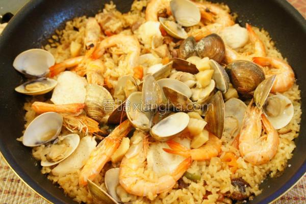 西班牙海鲜炖饭的做法