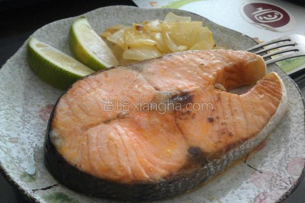 奶油洋葱烤鲑鱼的做法