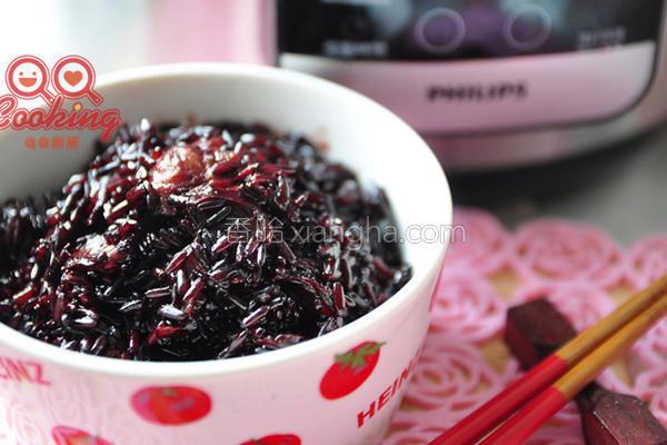 黑糖桂圆黑米甜饭的做法