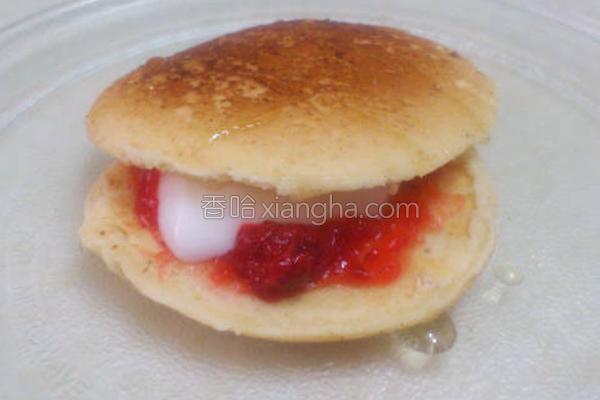 草莓奶酪松饼的做法
