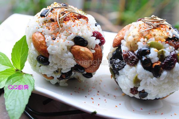 健康坚果米饭团的做法