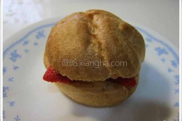 草莓炼奶泡芙的做法