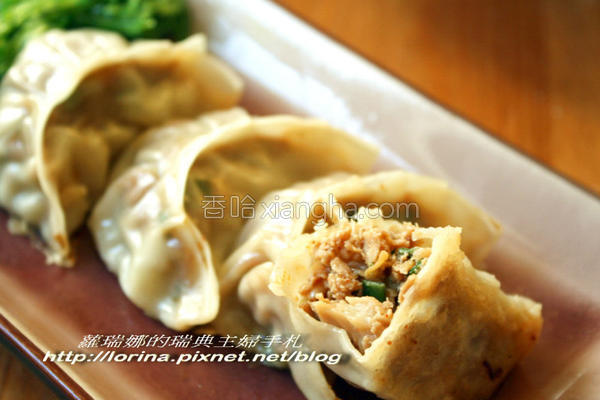 泡菜菇菇煎饺的做法