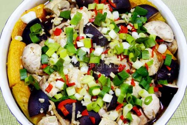 南瓜鲜菇蒸鸡的做法