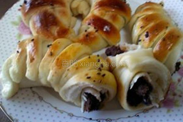 红豆牛奶花型面包的做法