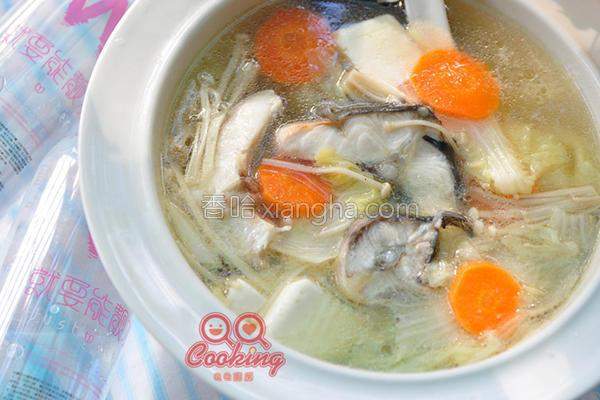 鲜蔬豆腐鲟鱼汤的做法