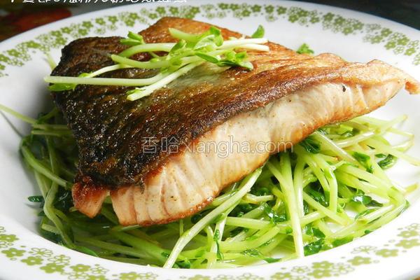 奶油煎鲑鱼的做法