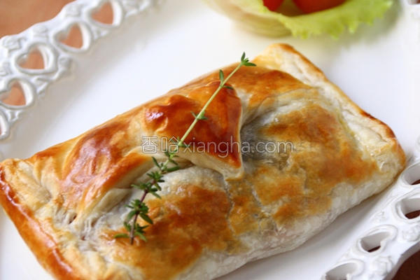 鲑鱼蘑菇酥皮派的做法