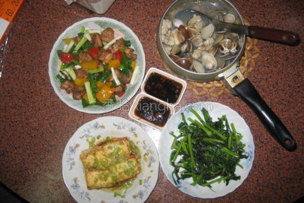 芹菜蛋豆腐的做法