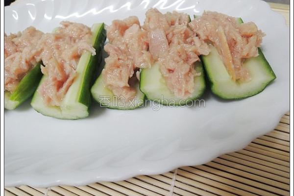 凉拌鲔鱼小黄瓜的做法