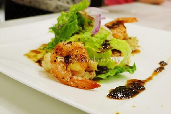 梅酱墨鱼虾的做法