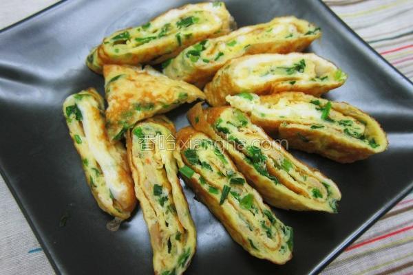 韭菜虾皮蛋卷的做法