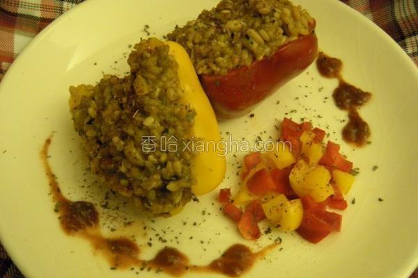 彩椒镶炖饭的做法