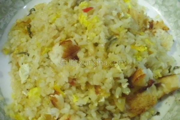 石斑鱼干贝酱炒饭的做法