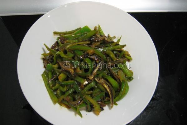 豆豉炒青椒小鱼干的做法