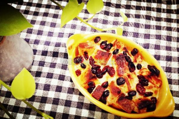 蔓越莓布丁面包的做法