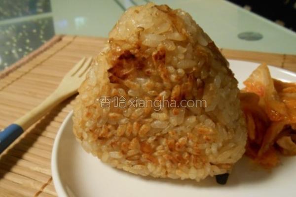 香煎柴鱼饭团的做法