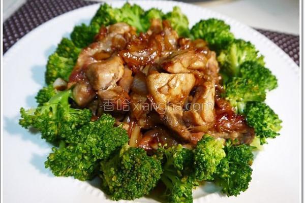 酱炒洋葱鸡腿肉的做法