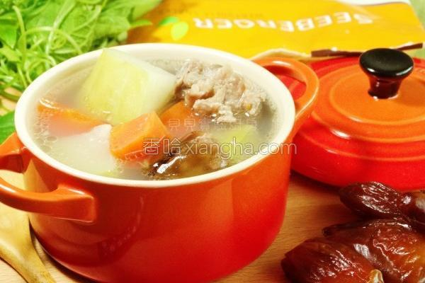 椰枣佛手瓜猪骨汤的做法