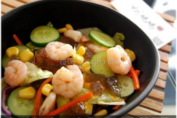 黑冻鲜虾紫苏沙律的做法