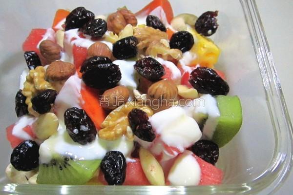 坚果水果沙拉的做法