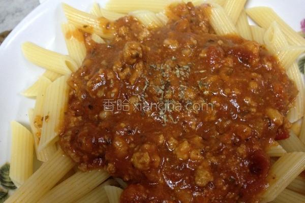 蒜辣番茄肉酱面的做法