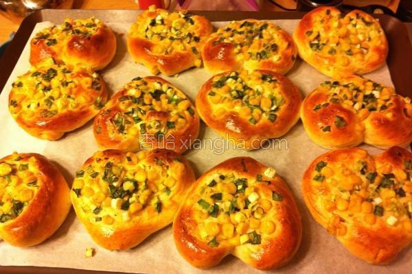 葱花玉米面包的做法